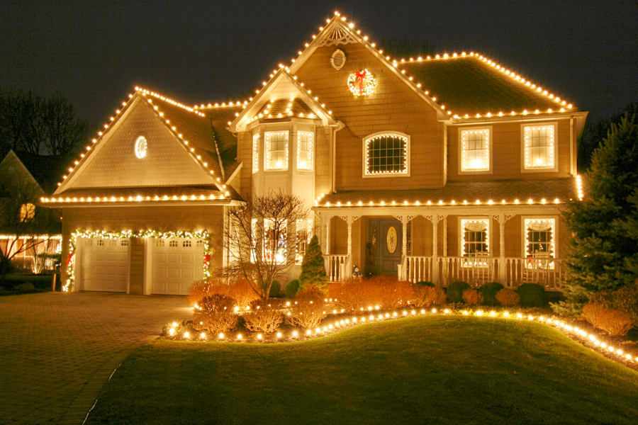 RESIDENTIAL HOLIDAY LIGHT INSTALLATION
