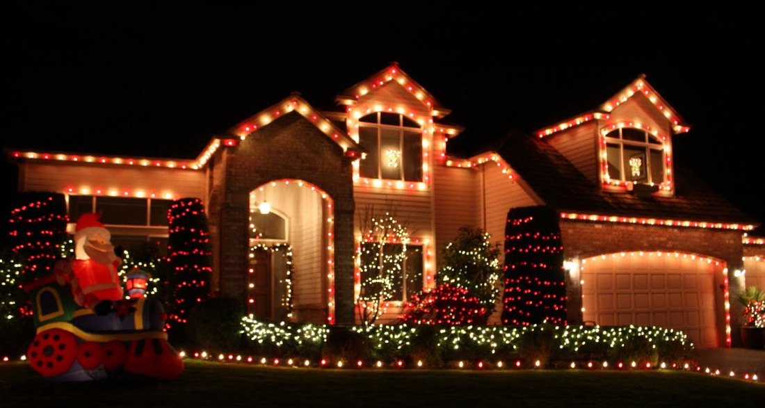 pause - Residential Christmas Decorating Service