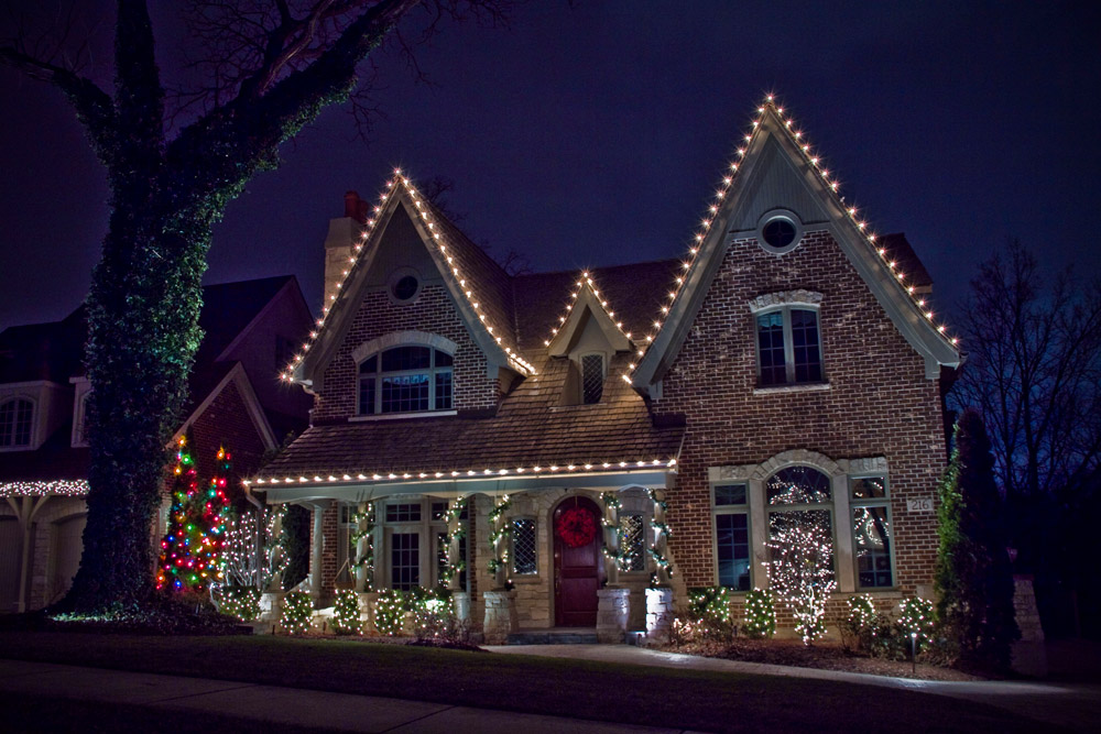 ____9767191_origjpg - Christmas Light Decorating Service